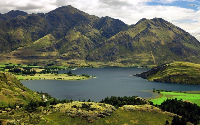 Random: Lake Wanaka Otago New Zealand