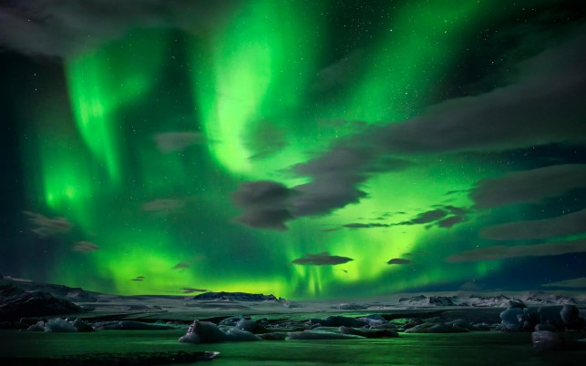 Beautiful Green NorthernLights wallpapers and stock photos