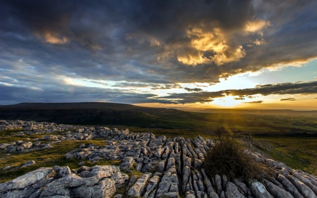 Nizza Felsen Tal Wolke Sonnenuntergang wallpapers and stock photos