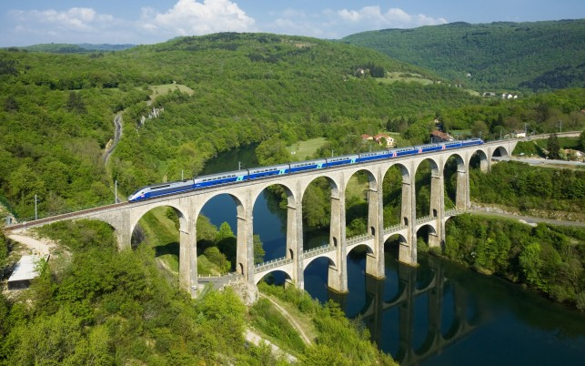 Cize Bolozon Viadukt Ain River wallpapers and stock photos