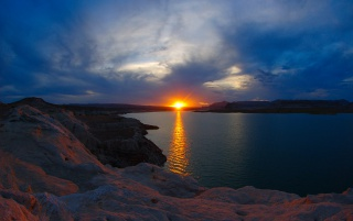 Lake Powell Sunset wallpapers and stock photos