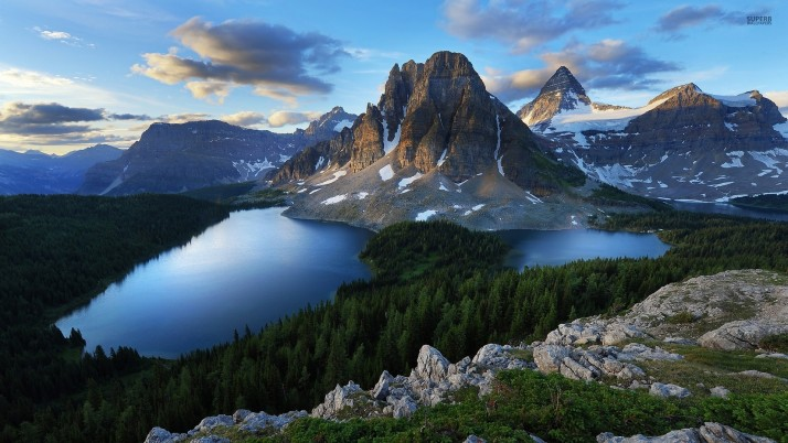 Mount Assiniboine Canada wallpapers and stock photos