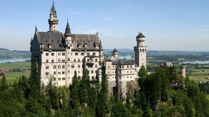 Great Neuschwanstein Castle wallpapers and stock photos