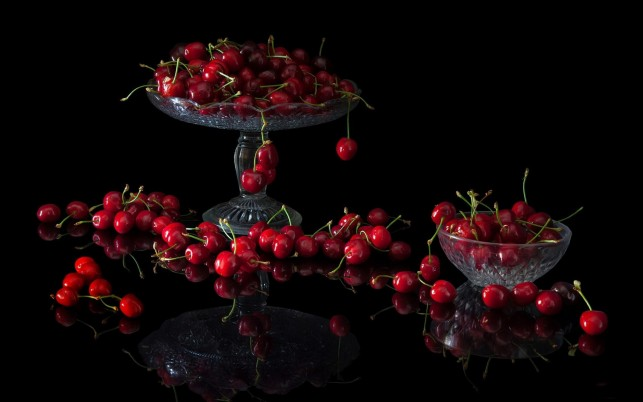 Sweet Cherries wallpapers and stock photos