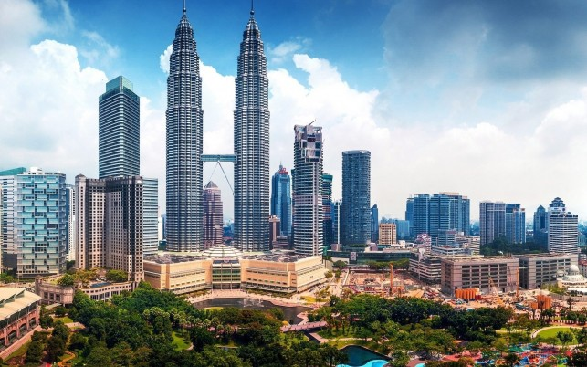 Petronas Towers wallpapers and stock photos