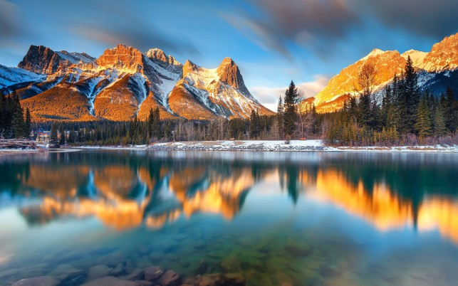 Noble Canmore Alberta Canada wallpapers and stock photos