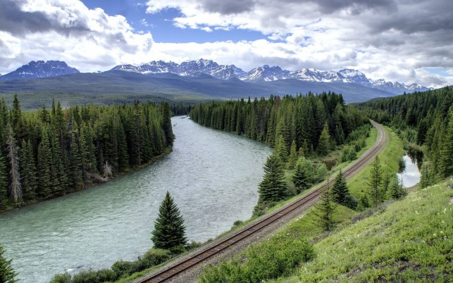 Peaks Forest River Rail Road wallpapers and stock photos