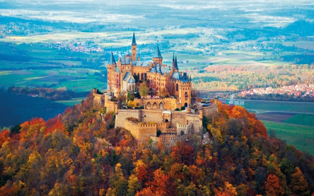 Neuschwanstein Castle Autumn wallpapers and stock photos