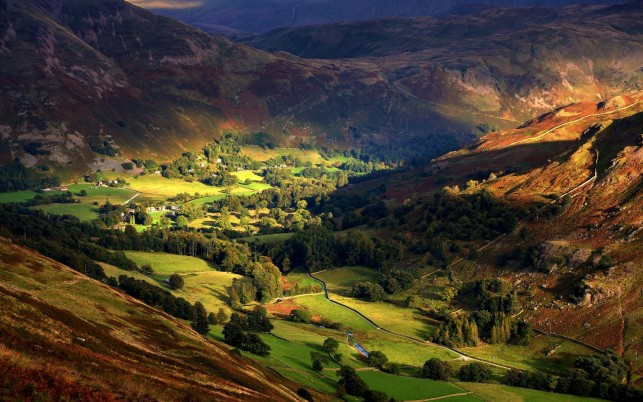 Random: Graceful Valley England
