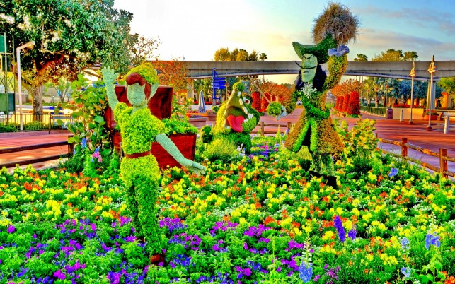 Peter Pan Topiary wallpapers and stock photos