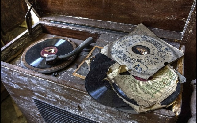 Vintage Gramophone wallpapers and stock photos