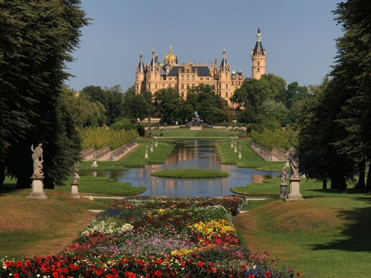 Schwerin Palace Mecklenburg wallpapers and stock photos