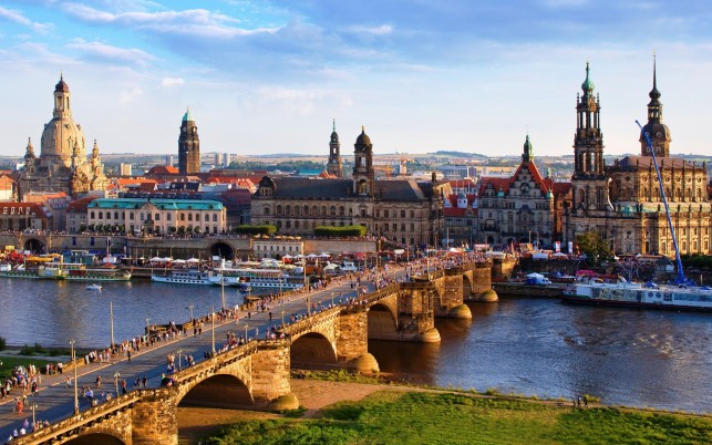 Augustus Bridge Dresden wallpapers and stock photos
