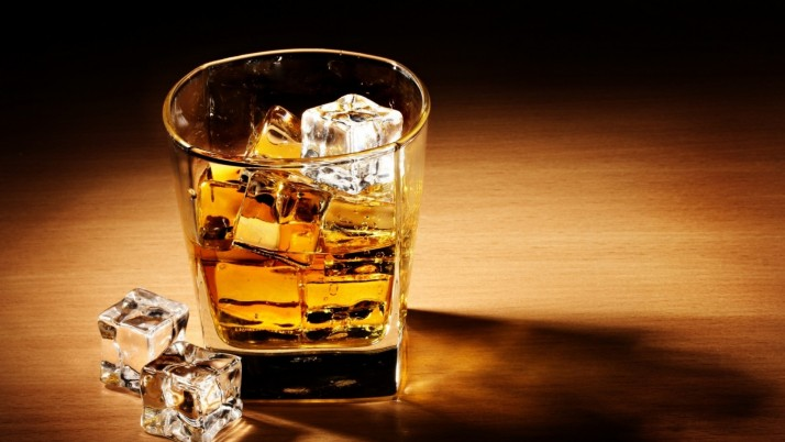 Whiskey Drink Ice Cube wallpapers and stock photos