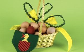 Basket full of eggs wallpapers and stock photos