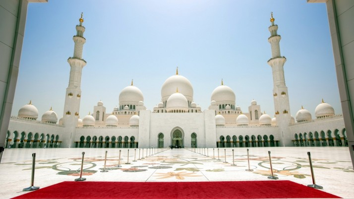 Sheikh Zayed Mosque Abu Dhabi wallpapers and stock photos