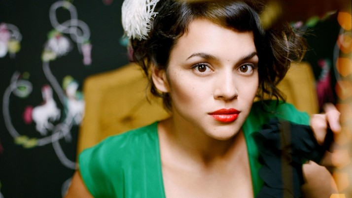 Random: Norah Jones Everybody Needs A Best Friend, actress, celebrity