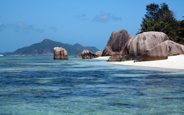 Insula Rock La Digue Seychelles wallpapers and stock photos