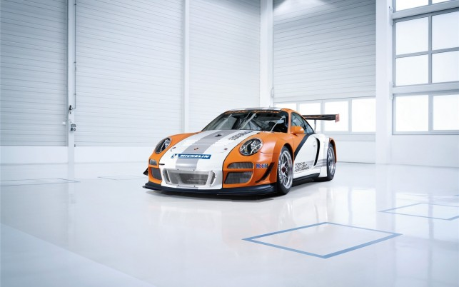 Porsche 911 Gt3 R Hybrid wallpapers and stock photos