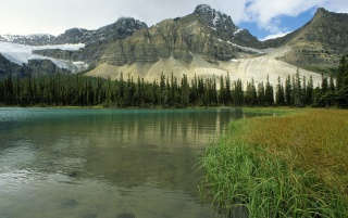 Glacial Lake wallpapers and stock photos