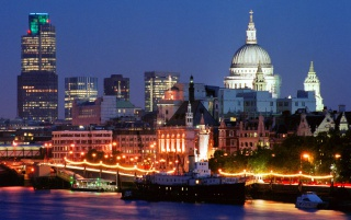 London Skyline wallpapers and stock photos