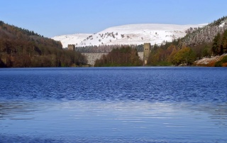 Derwent Dam wallpapers and stock photos