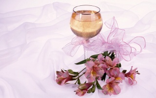 Glass Champagne wallpapers and stock photos