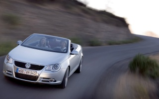 Random: VW Eos front speed