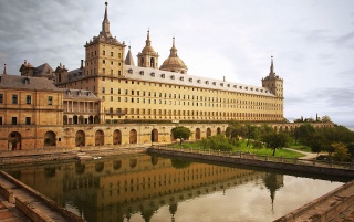 escorial monastery,madrid wallpapers and stock photos
