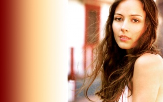 Random: Amy Acker Wall 5