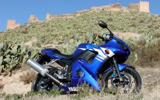 Yamaha YZF-R6 wallpapers and stock photos
