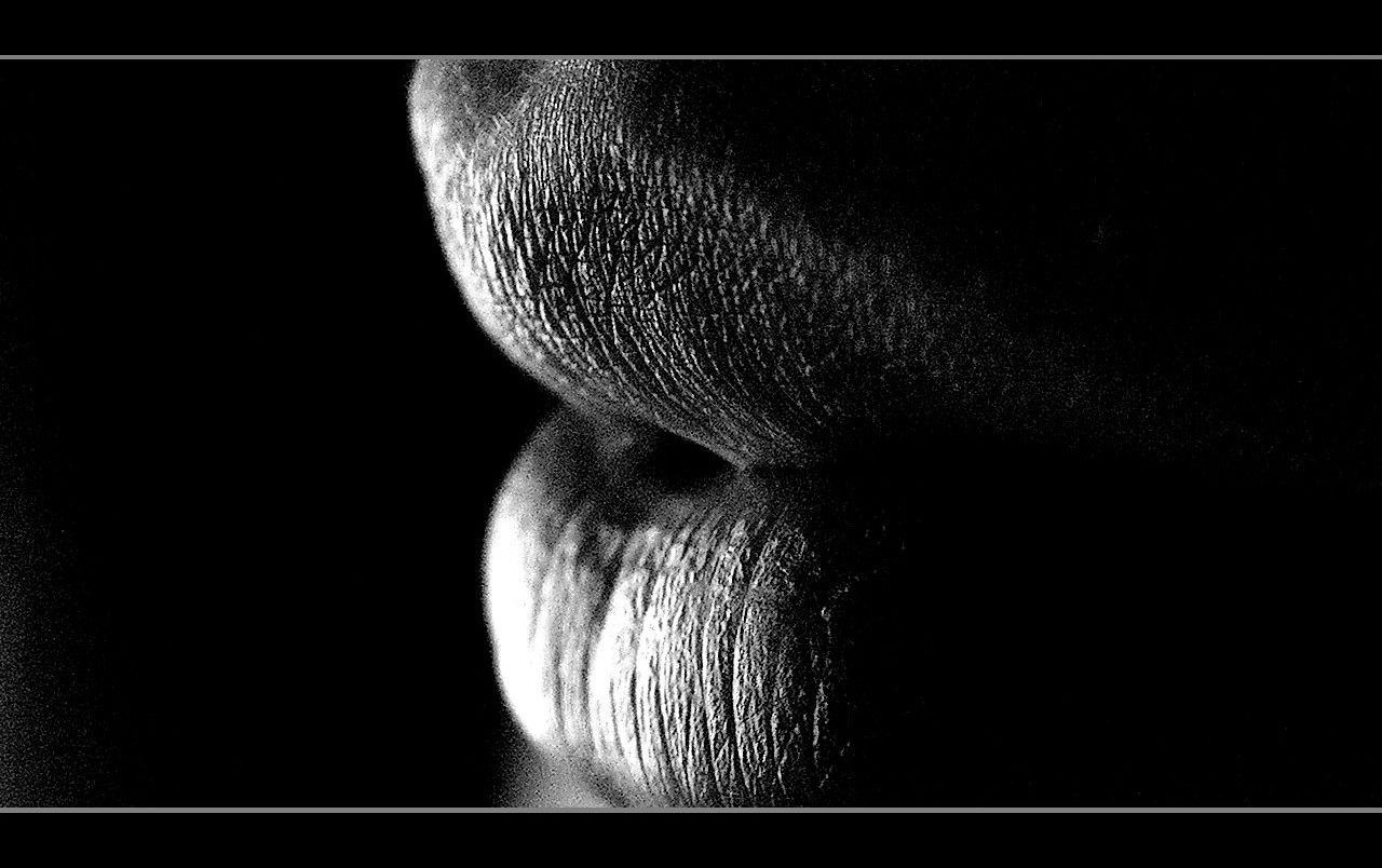 Greyscale lips wallpapers