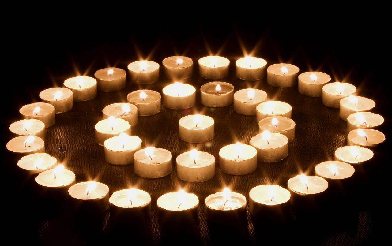 Circular candles wallpapers