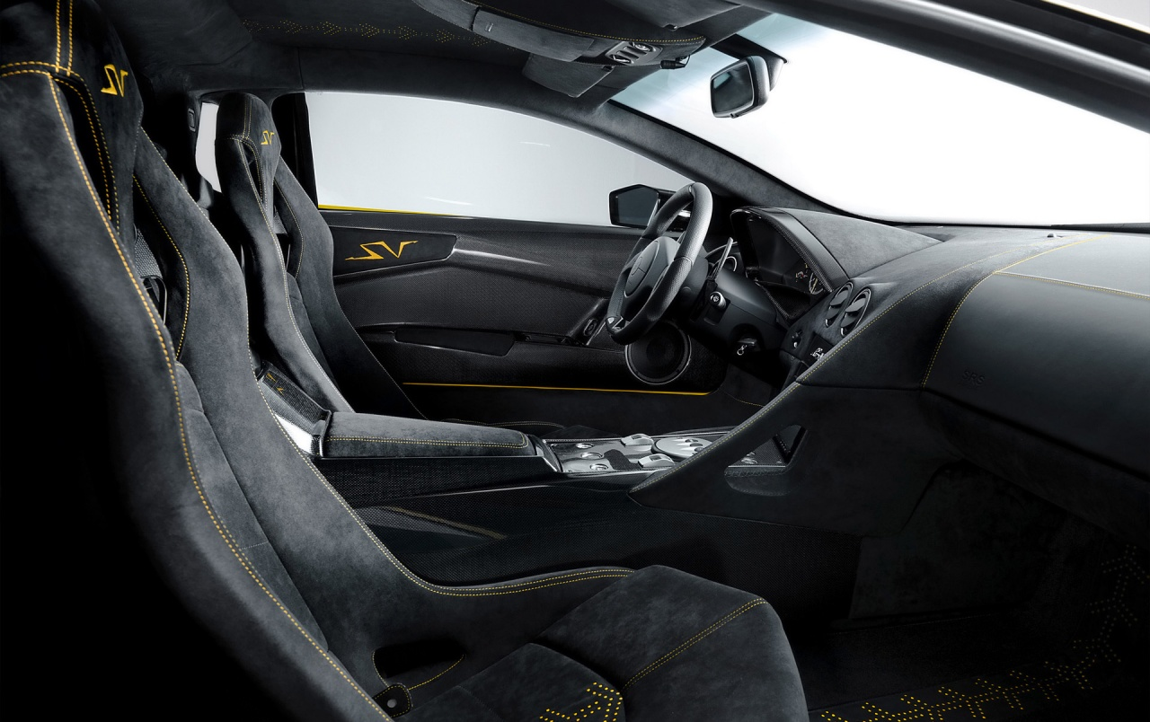 LP 670 interior wallpapers