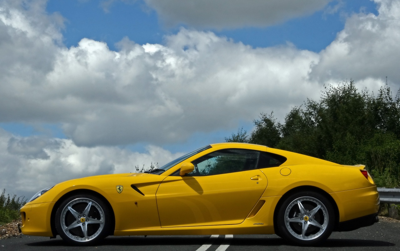 599 GTB Fiorano Side wallpapers