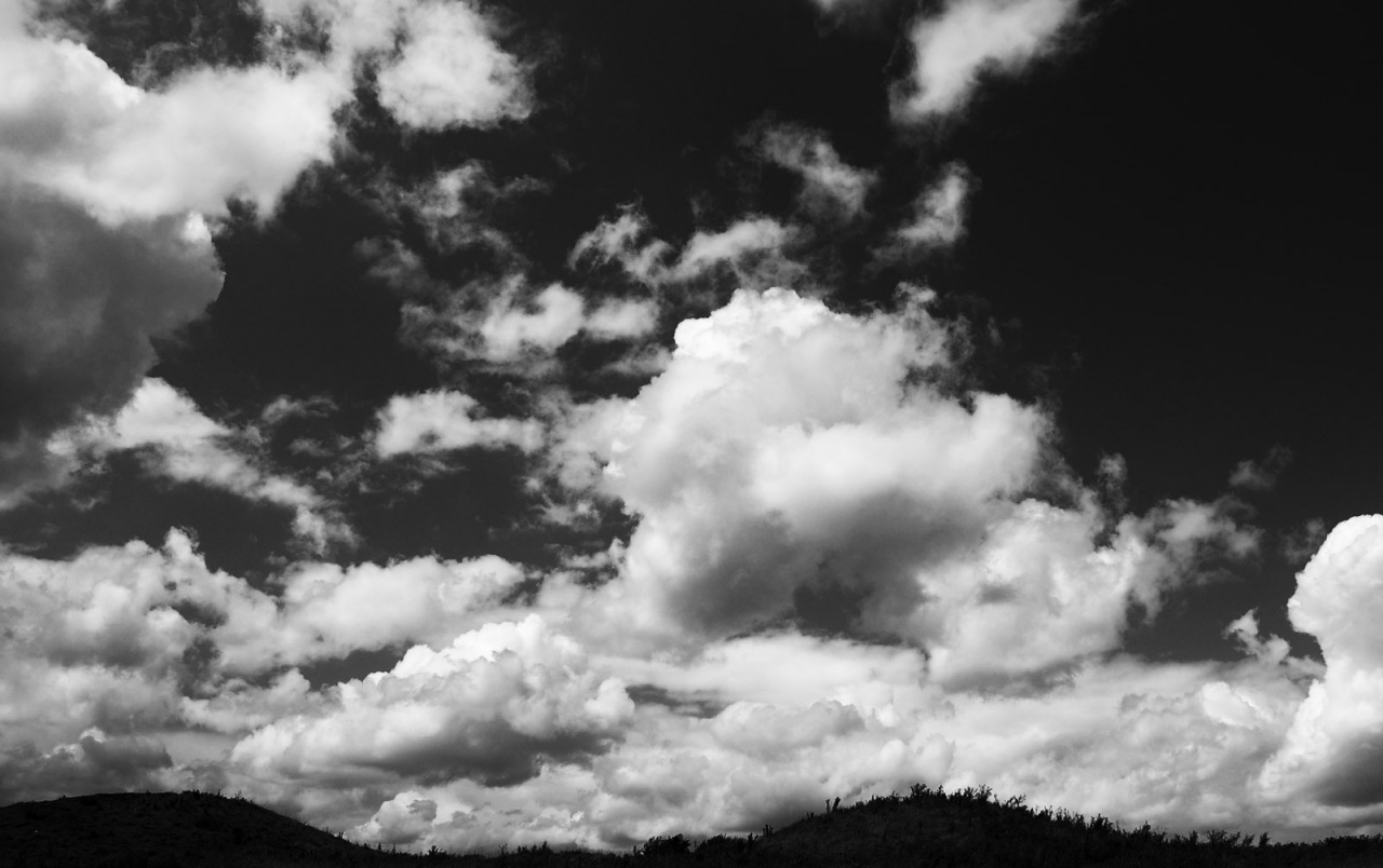 B&W Clouds wallpapers