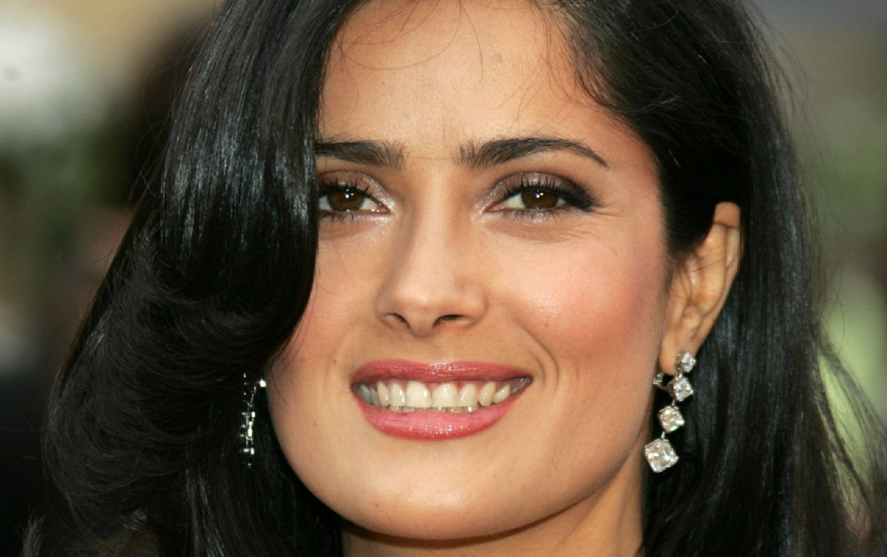 Salma Smiling wallpapers