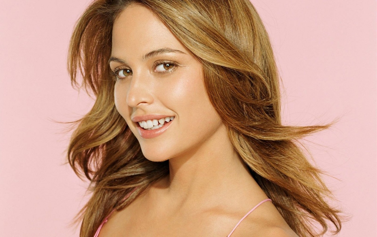 Josie Maran on pink wallpapers