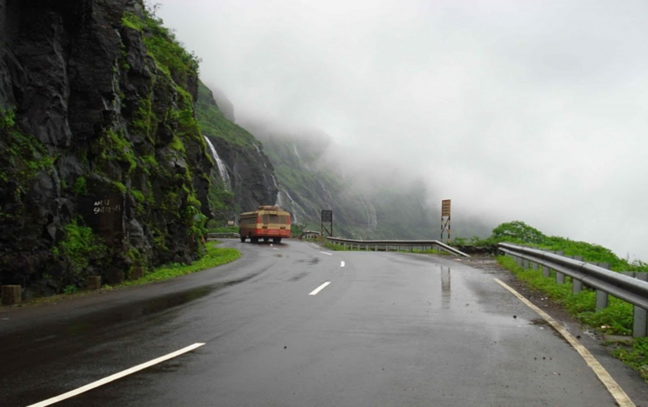 India Roads Wallpapers And Stock Photos