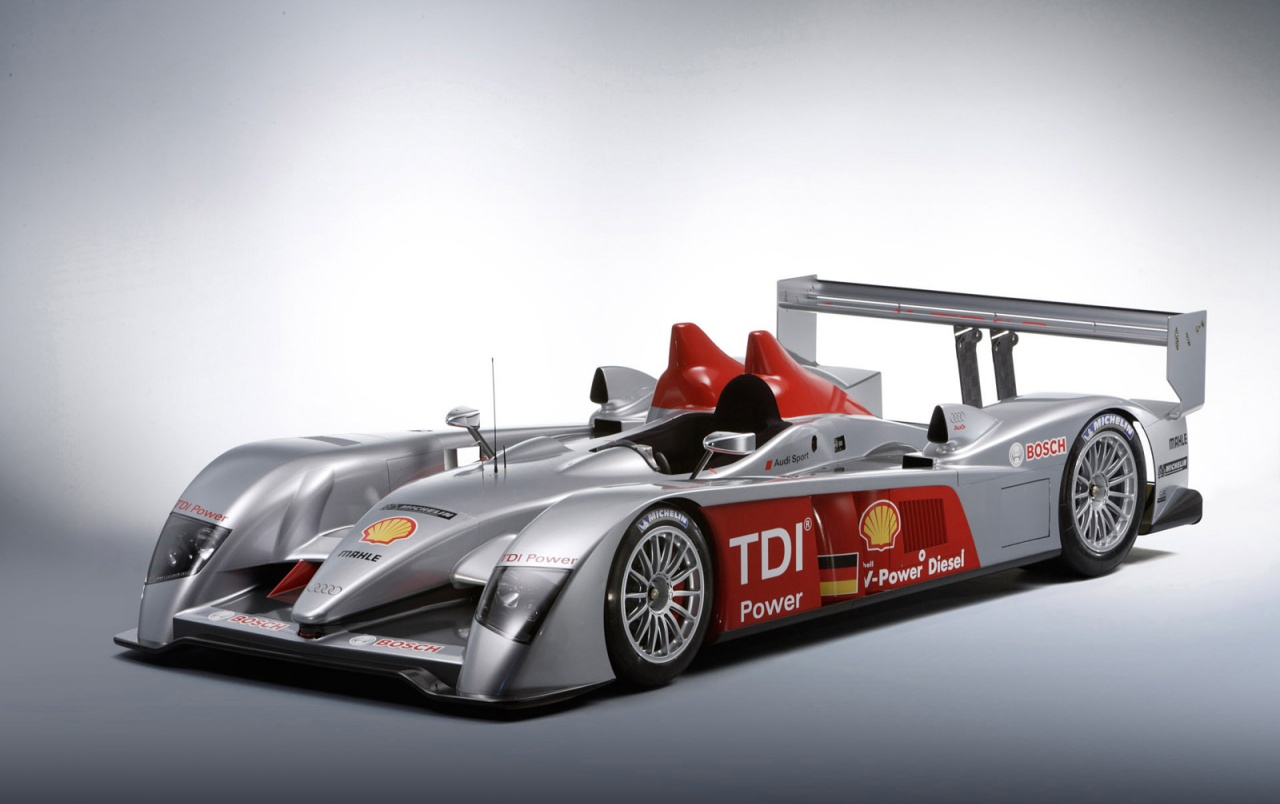 Audi R10 TDI front left wallpapers
