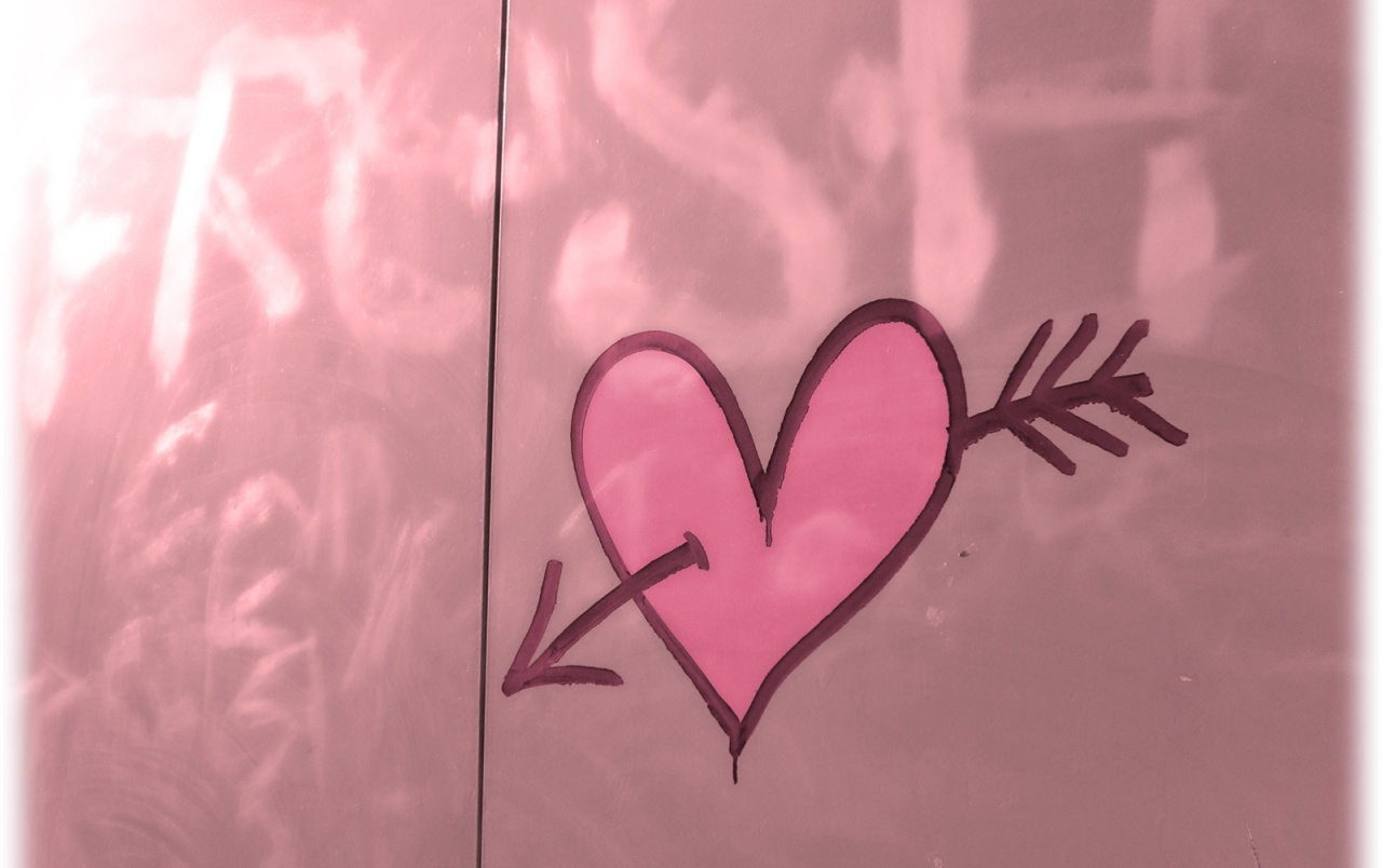 picture of a pink heart