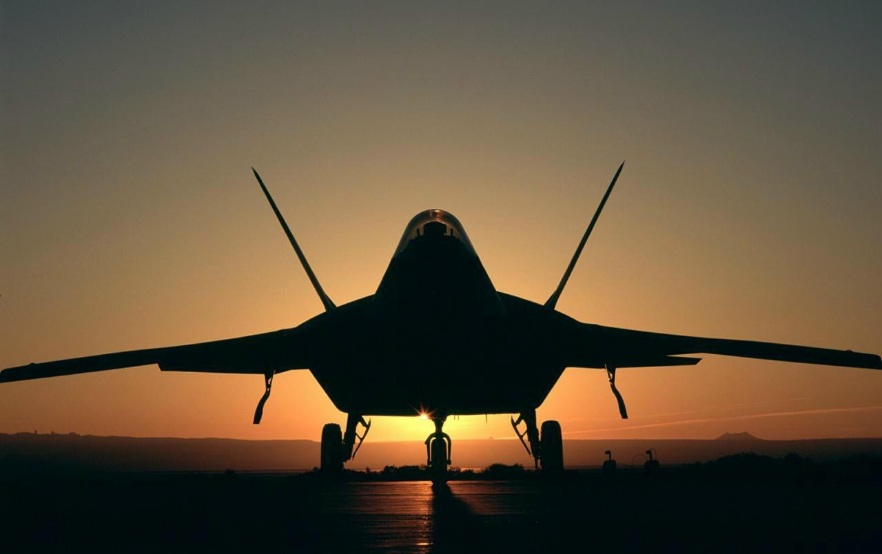 Jet in sunset light wallpapers