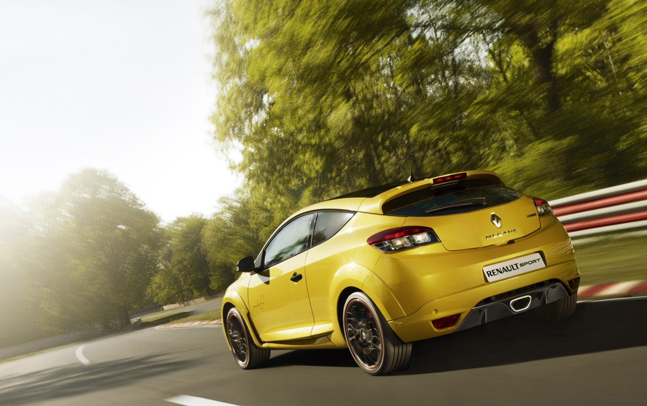 Renault Megane RS Trophy rear spead wallpapers