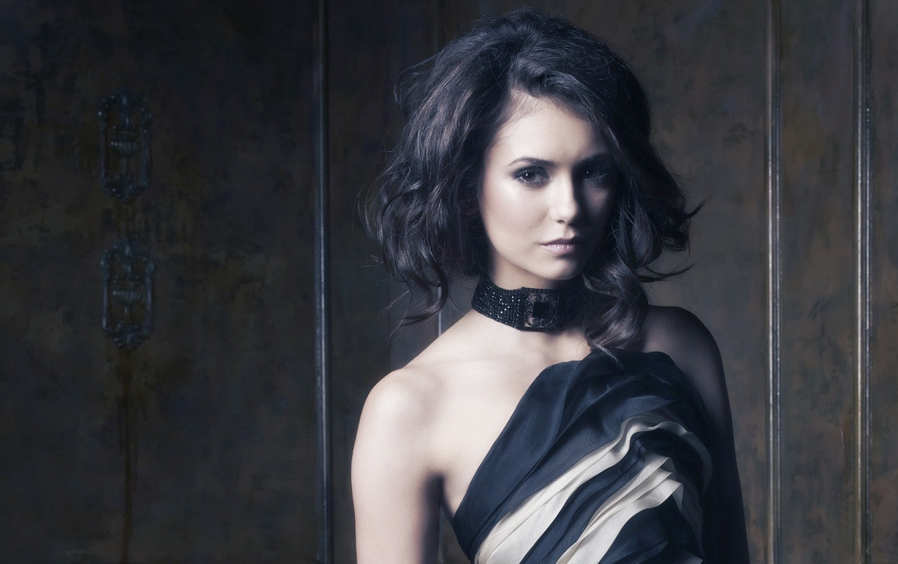 Nina Dobrev Short Hair wallpapers