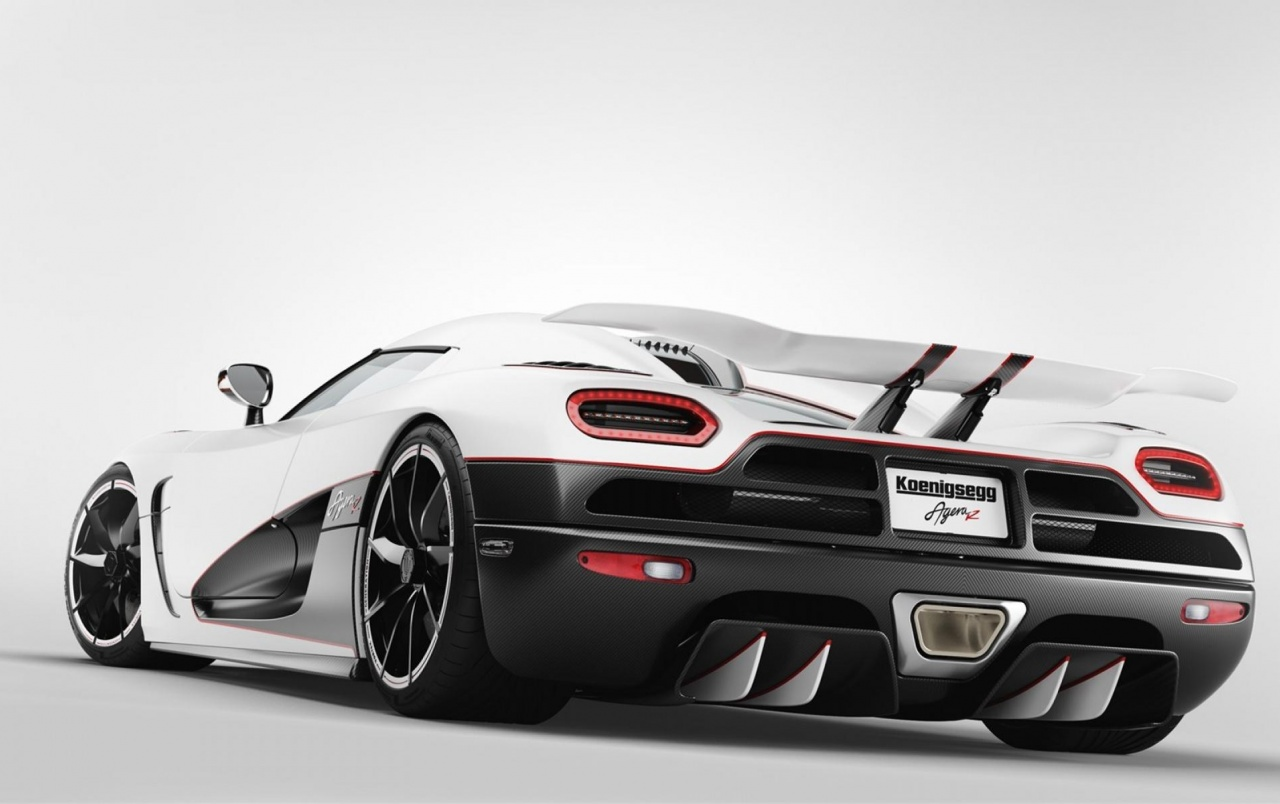 Koenigsegg Agera R Rear Angle wallpapers