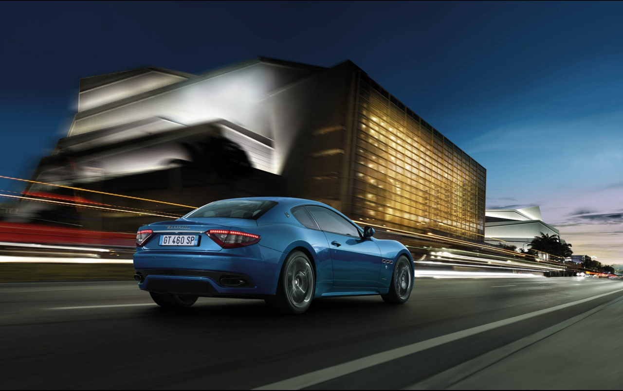 Elegant 2012 Maserati GranTurismo Sport Rear Speed Wallpapers