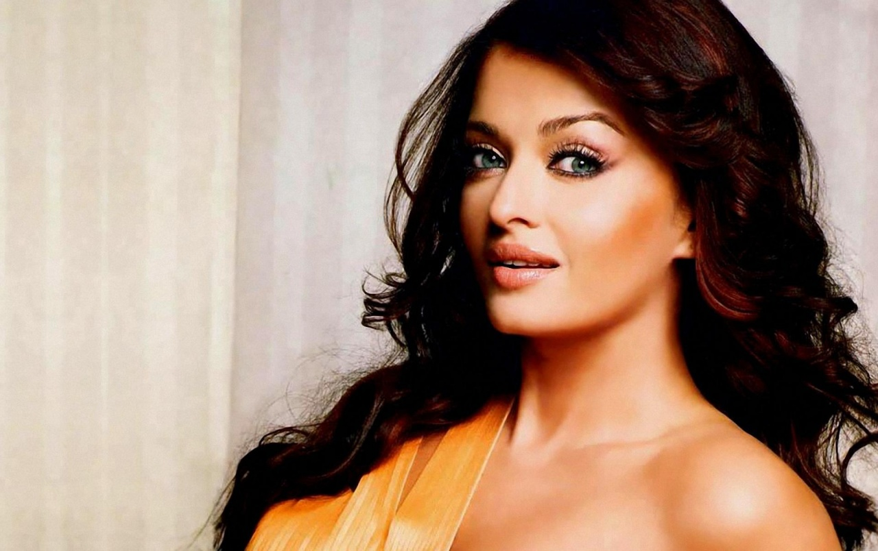 Aishwarya Rai Sexy Photo Download