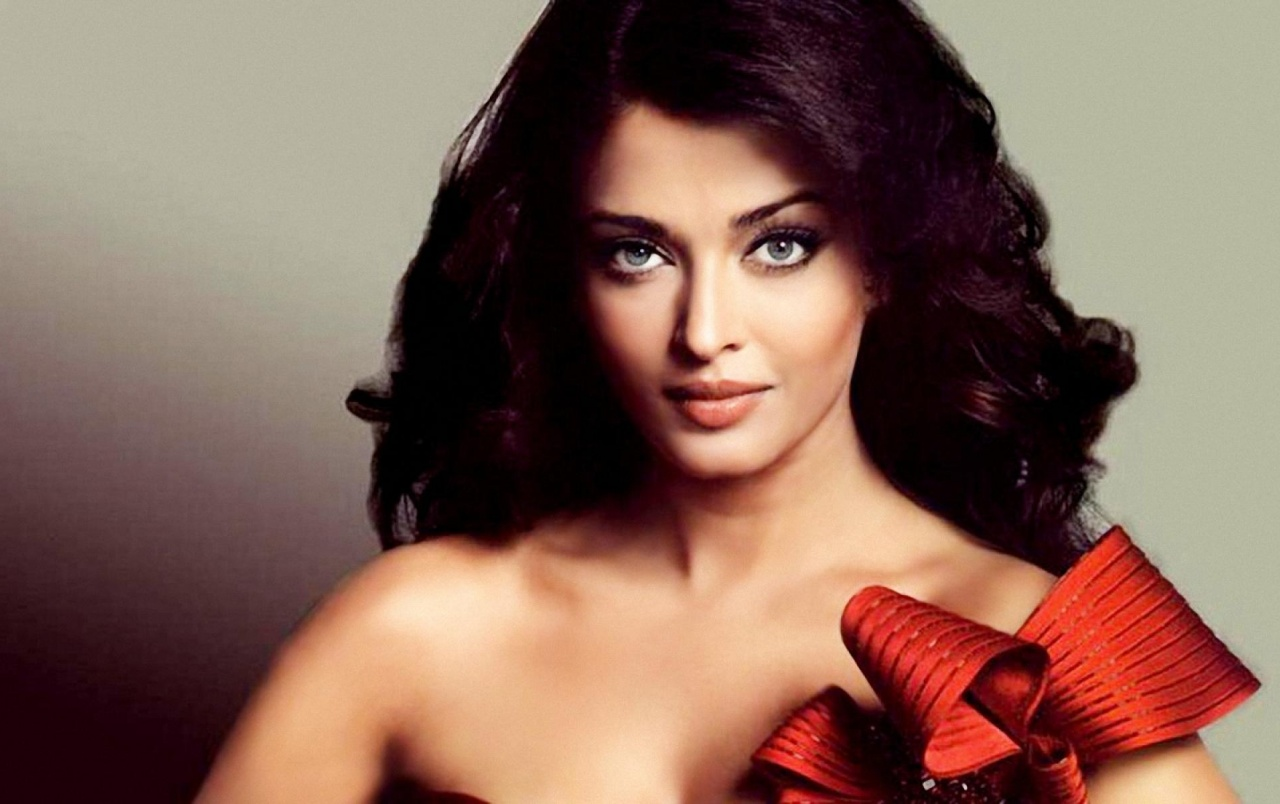 Aishwarya rai red dress wallpapers aishwarya rai red dress stock aishwarya rai red dress wallpapers and stock photos voltagebd Image collections