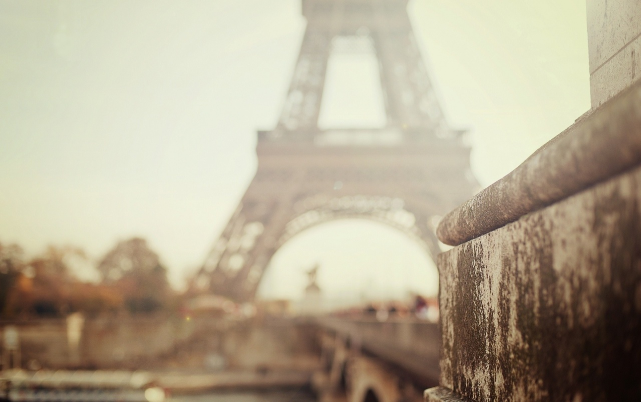 Foggy Day In Paris wallpapers