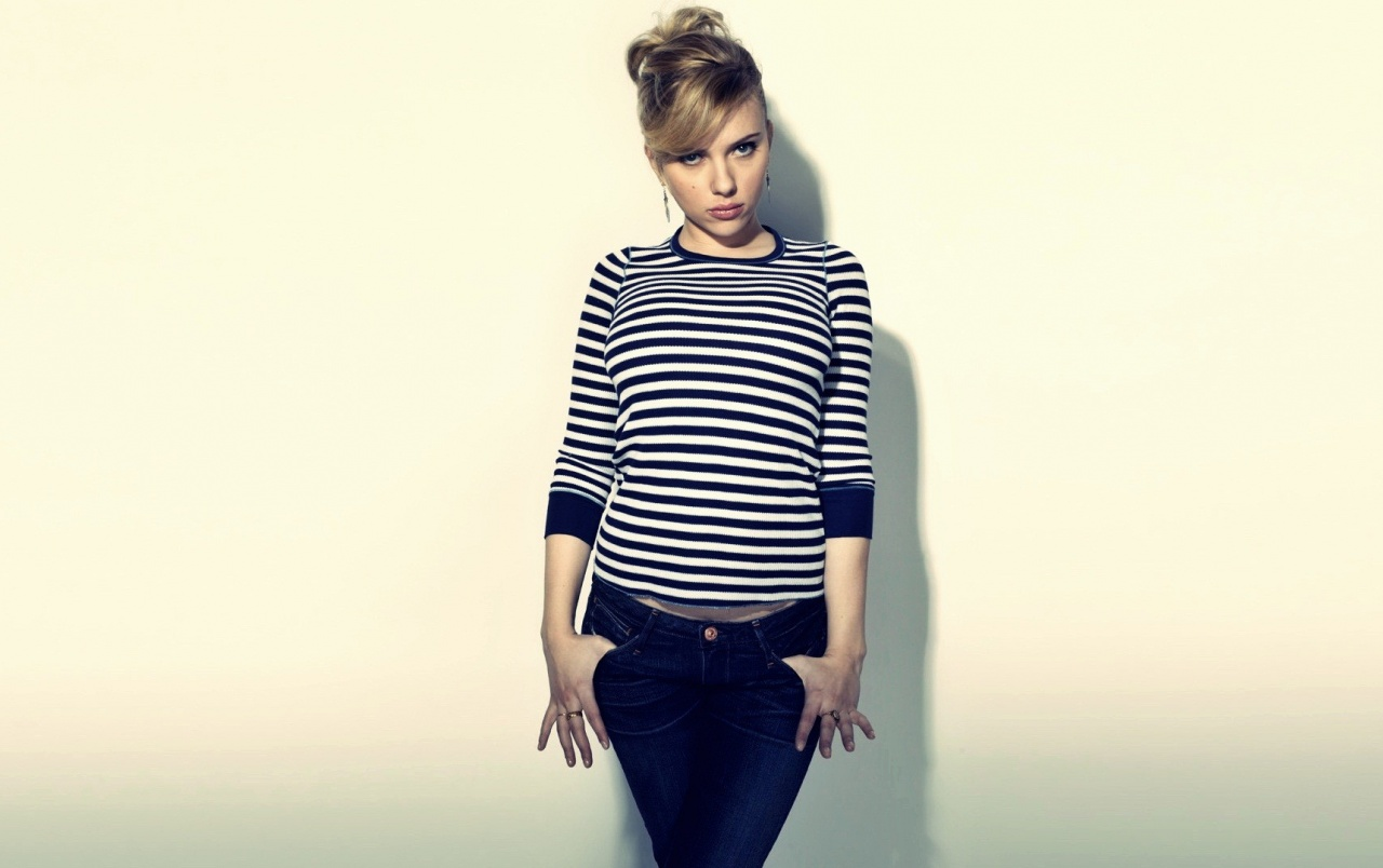 HD Scarlett Johansson in Stripes wallpapers